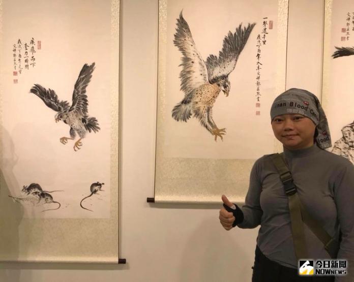 ▲江青萍靠著樂觀及努力,在困境中開創燦爛的精彩人生,認真活出最美的台灣價值。(圖/作者賴祥蔚提供)