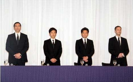 ▲TOKIO成員長瀨智也(左起)、國分太一、城島茂、松岡昌宏今日下午為山口達也一同開記者會致歉。(圖/翻攝ORICON