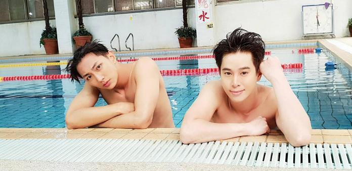 ▲明杰、吳東諺在劇中秀泳技。(圖/民視提供,2018.05.01)