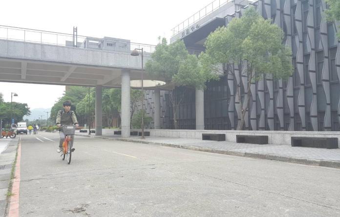 騎車逛校園 新北YouBike前進台北大學