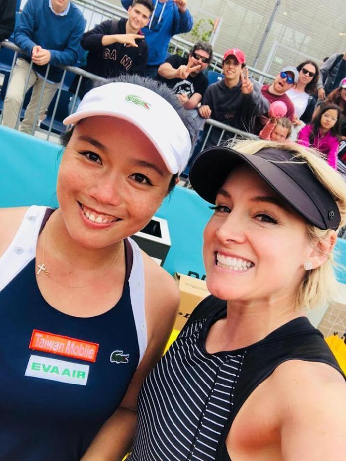 ▲我國網球好手詹詠然(左)和挑戰衛冕的美國女將Bethanie Mattek-Sands。(圖/擷取自詹詠然臉書)