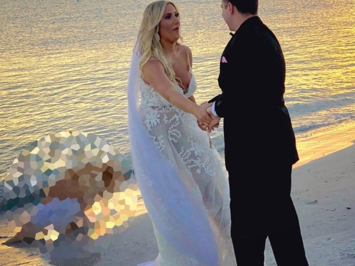 讓愛犬一同出席婚禮 牠竟在新人跳舞時便便!(圖/寵毛網)