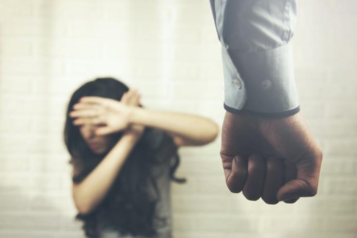 性侵受害者的復原之路 靠「登山」找回信任圈
