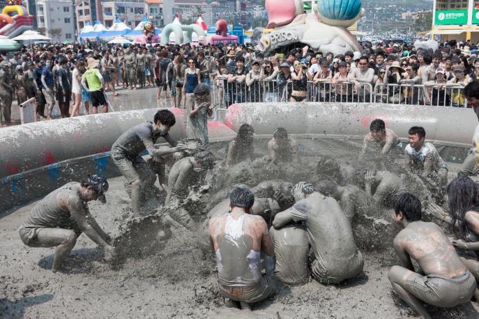 ▲包含保寧美容泥漿節在內,每個月在韓國都有著五花八門的精彩活動上演。(圖/韓國觀光公社)