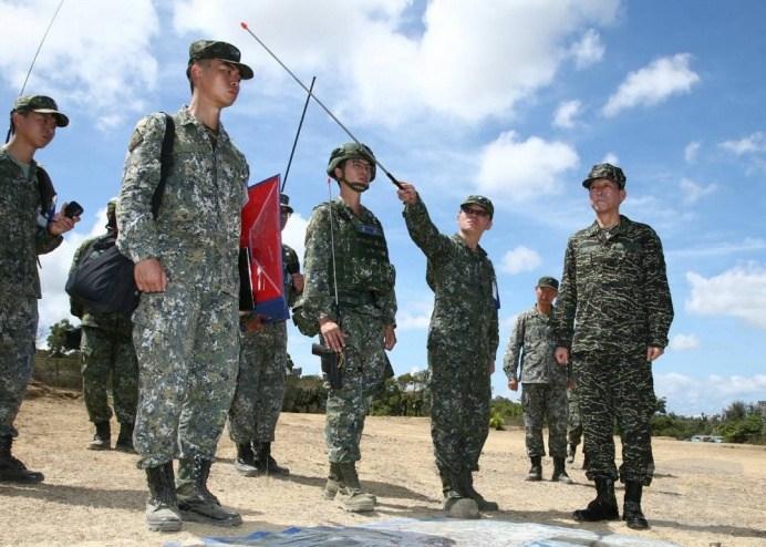 參謀總長李喜明上將6日視導漢光演習部隊操演實況。(軍聞社記者李一豪攝)