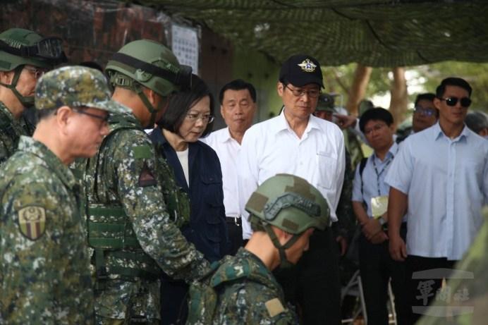 蔡英文總統視導「漢光34號演習」聽取當前作戰簡報。(軍聞社記者李一豪攝)