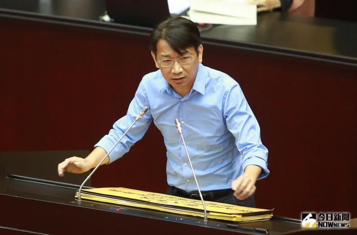 ▲時代力量黨團總召徐永明 19 日在臉書貼文表示,「時代力量不是小綠,綠不是唯一的台灣價值。」(資料照片/記者葉政勳攝)
