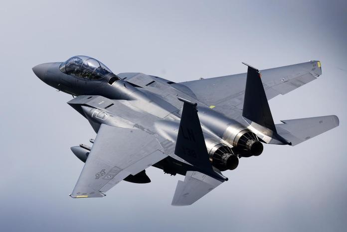 才誇F-15更適合拍捍衛戰士續集 美國空軍就掉漆墜機