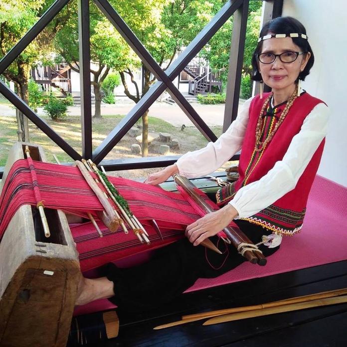 台灣原住民<b>賽德克族</b>織女張鳳英  用親情織出原鄉記憶