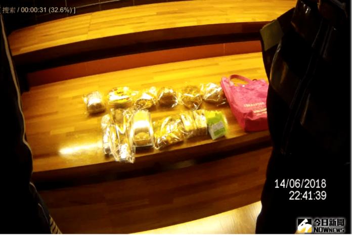 麵包店飄香 女子偷12個麵包遭逮