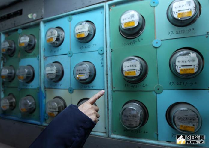 ▲氣象局持續發布橘色高溫燈號,台電指出,今(20)日用電量高峰出現在下午1點44分,創下今年用電量第9高的紀錄。(圖/NOWnews 資料照)