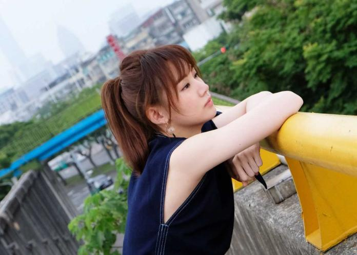 女歌手<b>王笠人</b>雪白嫩肌大崩壞 被嫌有怪味
