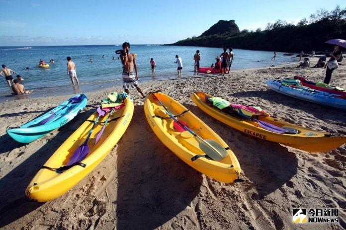 ▲墾丁的海洋獨木舟及立槳正蓬勃發展將會吸引熱愛水上活動的遊客體驗。(圖/記者郭孟聰攝,2018.07.11)