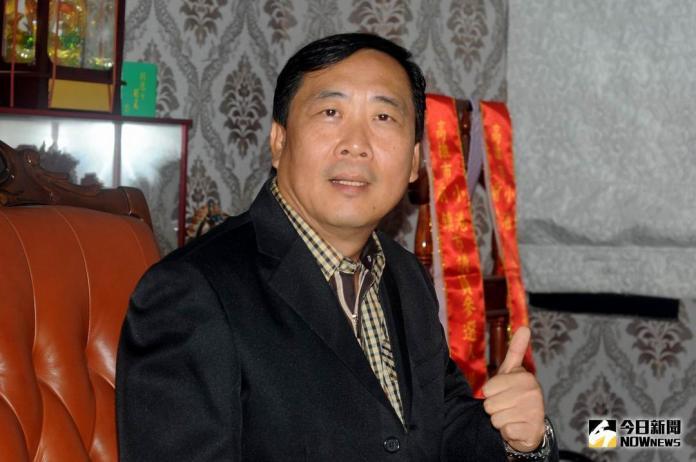 ▲紅毛港子弟楊政城,端出勞工房貸優惠的競選政見。(圖/記者許高祥攝)