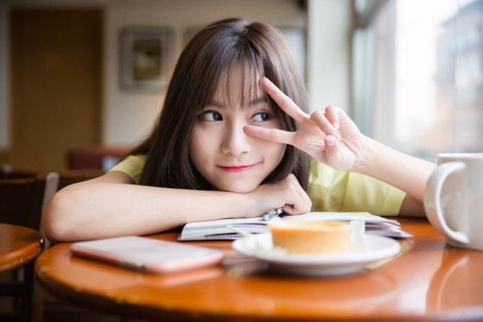 台灣正妹紅到日本 偷她照片做成外牆看板