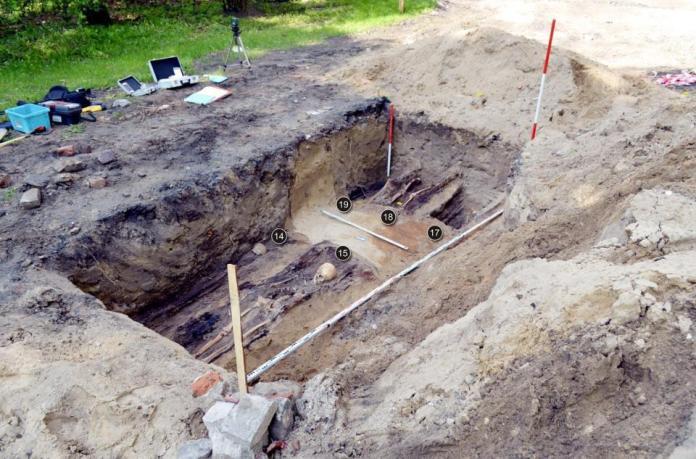 驚嚇!<b>兒童樂園</b>變「死亡公園」 翻修挖出8萬具人骨