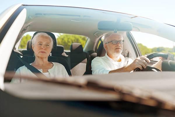 視力不佳危險駕駛 白內障術後確保行車安全