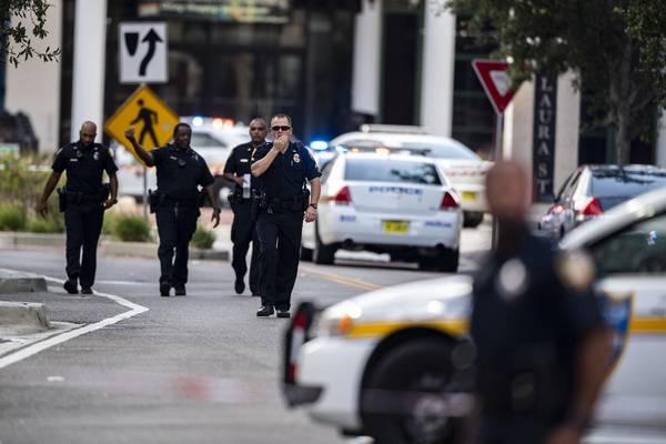 ▲美國時間 26 日下午 2 時左右,位於佛羅里達州的傑克遜維爾(Jacksonville)大型購物中心驚傳大規模槍擊案。(圖/達志影像/美聯社 , 2018.8.27)