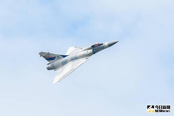 幻象2000戰機清泉崗訓練爆胎 緊急放棄起飛人機均安