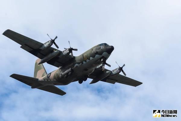 ▲ 新竹空軍基地開放全兵力預校,C-130衝場表演。(圖/記者陳明安攝,2017.11.21)