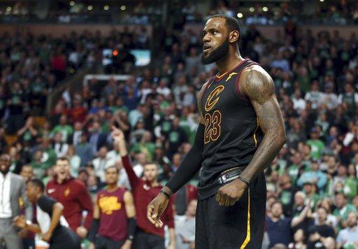 NBA/別讓昨天在你傷口狂妄的灑鹽 詹皇拒絕JR提問