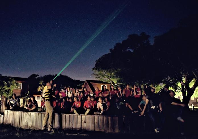 夏夜震撼!來墾丁看壯麗的英仙座流星雨