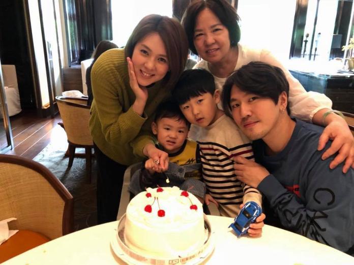 ▲朱芯儀與衛斯理結婚7年,育有兩個寶貝兒子。(圖/翻攝朱芯儀臉書,