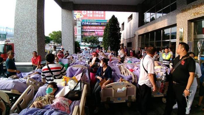 台北醫院安寧病房火警 14人命危(1)