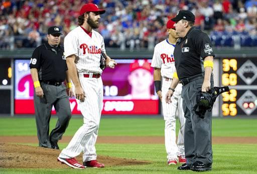 MLB/投手帶<b>小抄</b>上場 大聯盟:不拖延比賽就可以