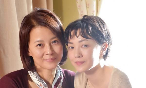 ▲兩代喜寶一碰面就感覺很熟悉。左為黎燕珊,右為郭采潔。(圖/劇照,2018.09.02)