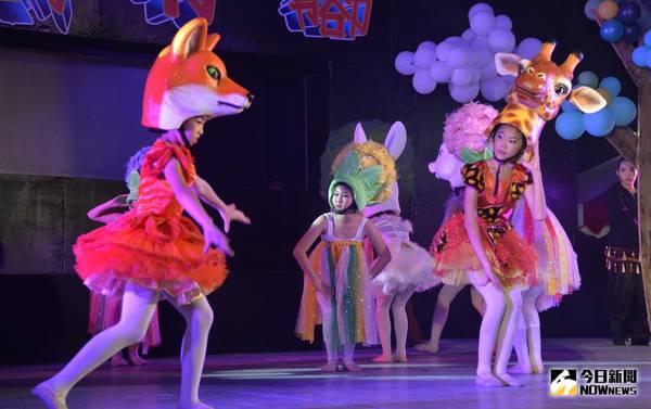 偶戲行腳巡迴雲林演出 <b>兩隻老虎</b>褒忠盛大開演
