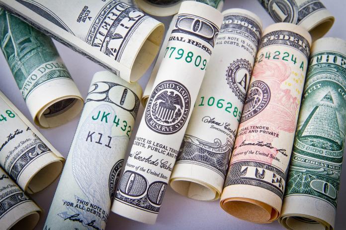 ▲新台幣兌美元9月5日早盤先貶後升,但高低價差僅4.4分。(圖/摘自PIXABAY)