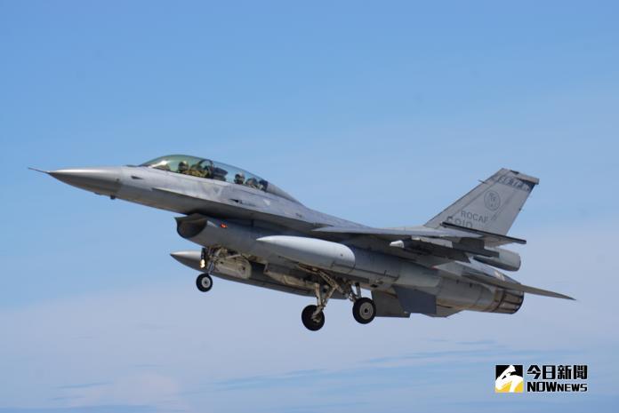 空軍F-16