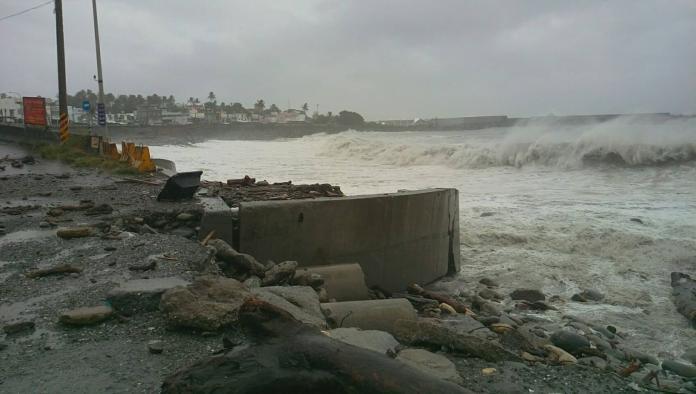 輕颱白鹿海警解除 台南以南大雨威脅不可輕忽