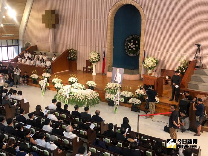 楊偉中22日舉辦追思紀念會 一切低調從簡
