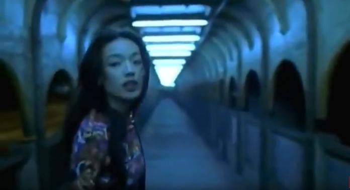 <br> ▲影后舒淇在電影中漫步一幕讓中山陸橋瞬間爆紅。(圖/翻攝YouTube , 2018.09.25)