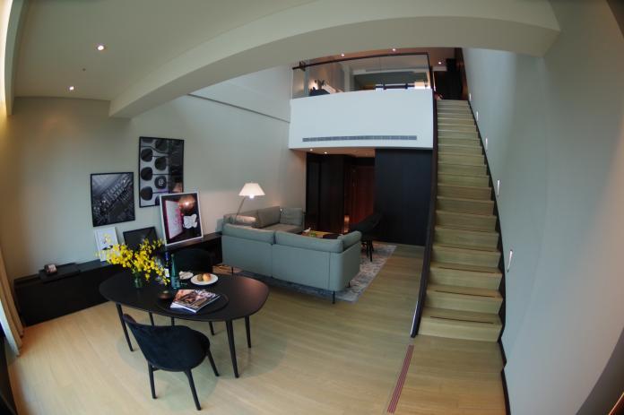<br> ▲瞄準新竹地區的長期商務客需求,提供樓中樓設計的複合式套房。(圖/記者陳致宇攝, 2018.09.28)