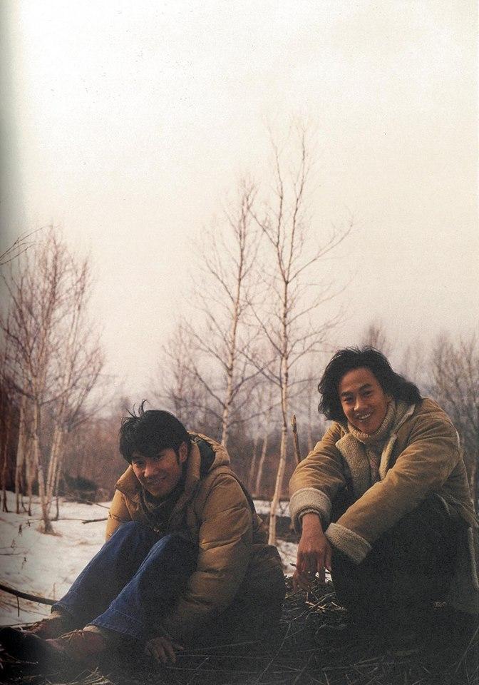 ▲陳恩峰(左)、何潤東18年前的合照。(圖/翻攝自臉書,2018.09.29)