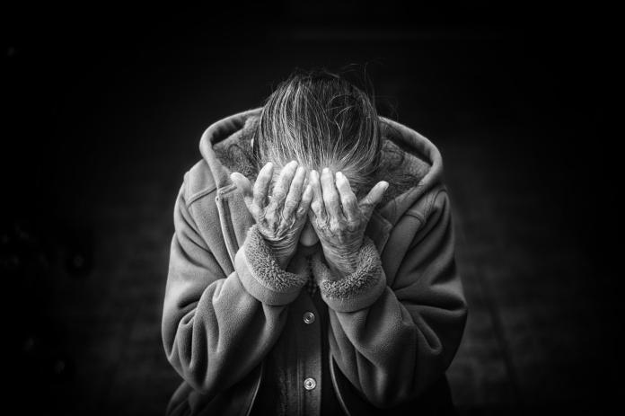 恐懼的晚年/非典型老人家暴 「法難入家門」的破網