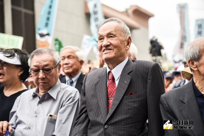 高齡96歲的彭明敏參加喜樂島聯盟「全民公投反併吞」活動。(圖/記者陳明安攝,2018.10.20)