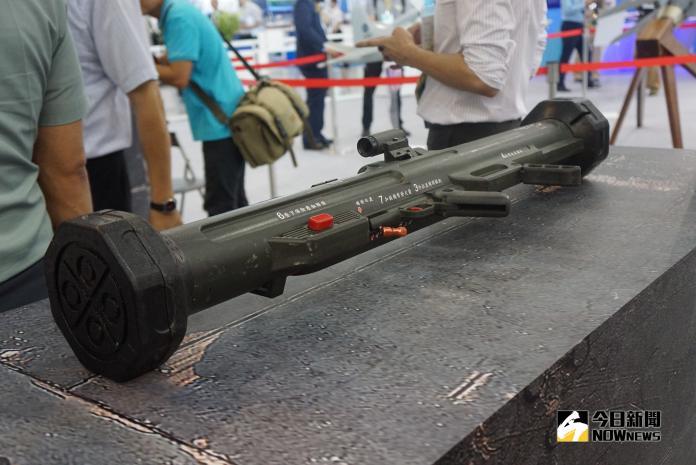 ▲中科院研發的紅隼火箭彈。(圖/記者呂烱昌攝)