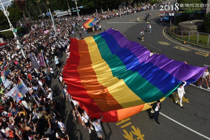 2018台灣同志遊行再度創新紀錄,遊行人數估計突破13萬7千人,超越2017年的12萬人。(圖/翻攝自台灣同志遊行flickr)