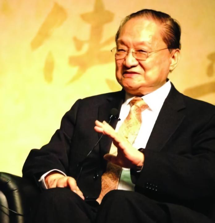 ▲武俠小說作家金庸病逝香港,享壽 94 歲。(圖/翻攝自微博)
