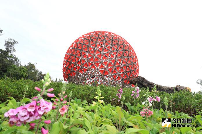 地表最大機械花 台中花博裝置藝術亮相