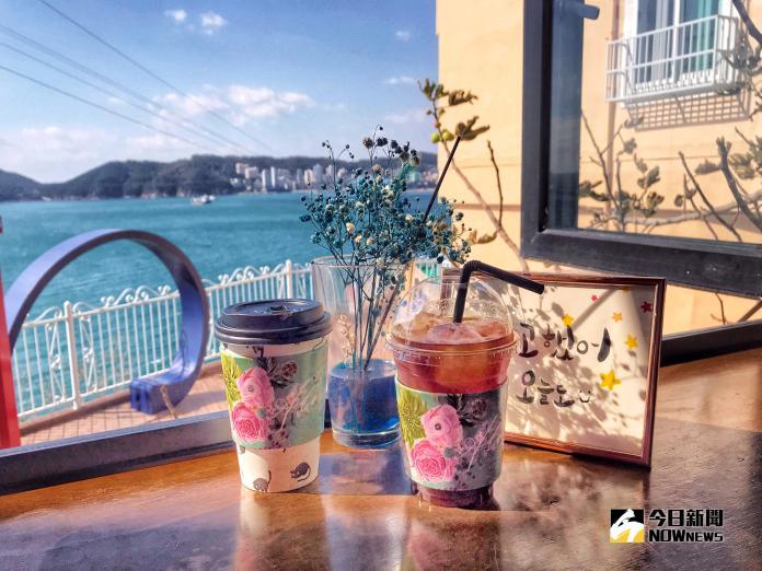 ▲海岸線沿途更有許多別緻的咖啡廳,可以小歇片刻,窗外放眼望去就是壯麗的海景。(圖/記者賴詠璿攝, 2018.11.04)