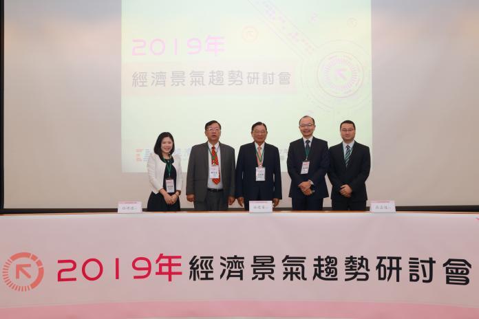 台灣經濟靠外貿與消費 明年可能還得靠這個