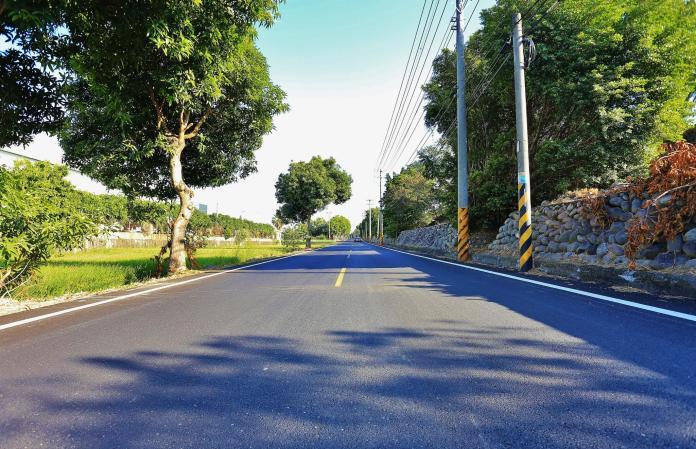 中市府推動「路平2.0」 林佳龍:各區道路更平整舒適