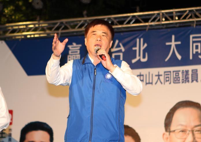 國民黨副主席、前台北市長郝龍斌20日批評,台北市長柯文哲是「動口不動手、割稻尾」的市長。(圖/記者葉滕騏攝,2018.11.20)