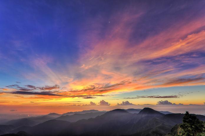 位於海拔2,000公尺處的太平山向來都是賞日出的絕佳地點。