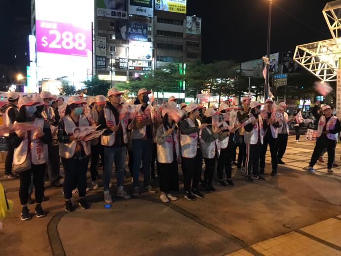 影/選前之夜 民眾喊出蔡英文道歉魏明谷道歉